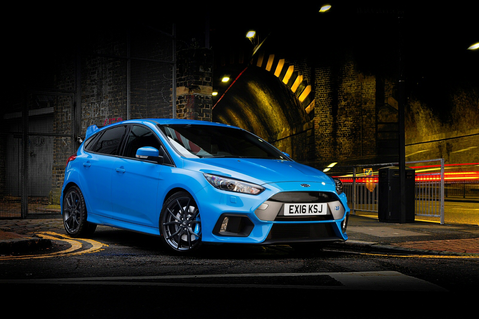 синий автомобиль ford focus rs  № 215509 бесплатно
